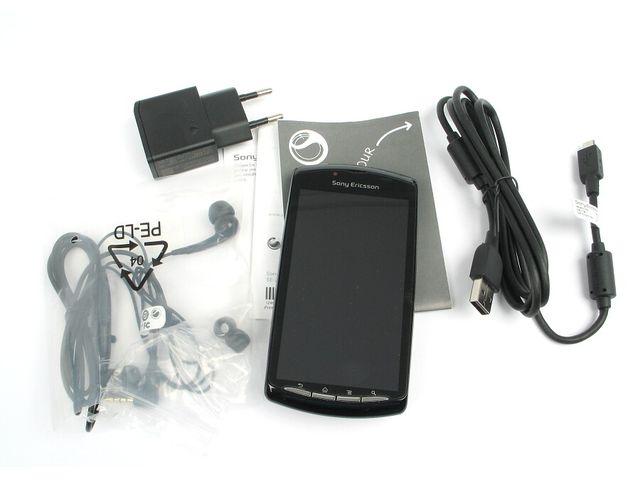 obsah balení Sony Ericsson Xperia PLAY - černá
