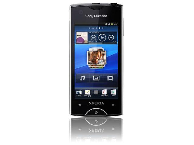 obsah balení Sony Ericsson Xperia Ray bílá + Solární nabíječka Solarmonkey-Adventurer